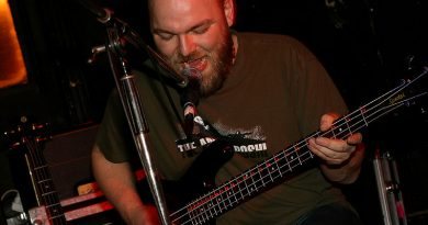 Beehoover - Manchester 22/03/11
