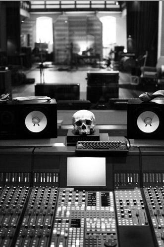 Amenra - news image of studio