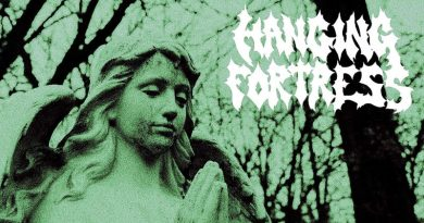 Hanging Fortress 'Darkness Devours'