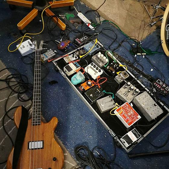Tanya Byrne / Bismuth - Bass & Pedalboard