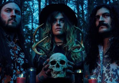 Heavy Temple: Interview With Bassist & Vocalist High Priestess Nighthawk