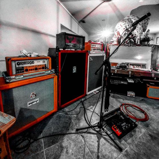 Aaron Wall / Red Beard Wall - Amp, Cab & Mic Rig